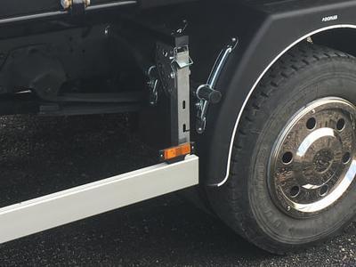Zabudowy ciężarowe 19