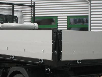 Zabudowy ciężarowe 69