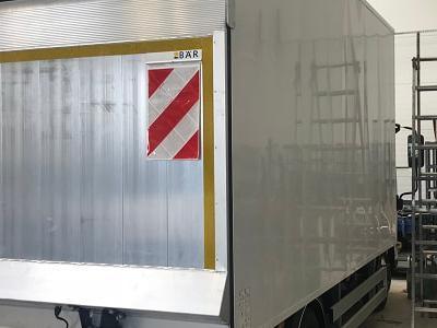 Zabudowy ciężarowe 83