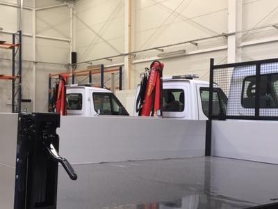 Zabudowy specjalne serwisowe w pojazdach 40